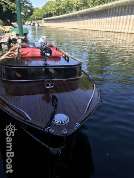 Location yacht à Paris - Wolfrat-1941-Vaporetto Bateau venitien sur la seine sur SamBoat
