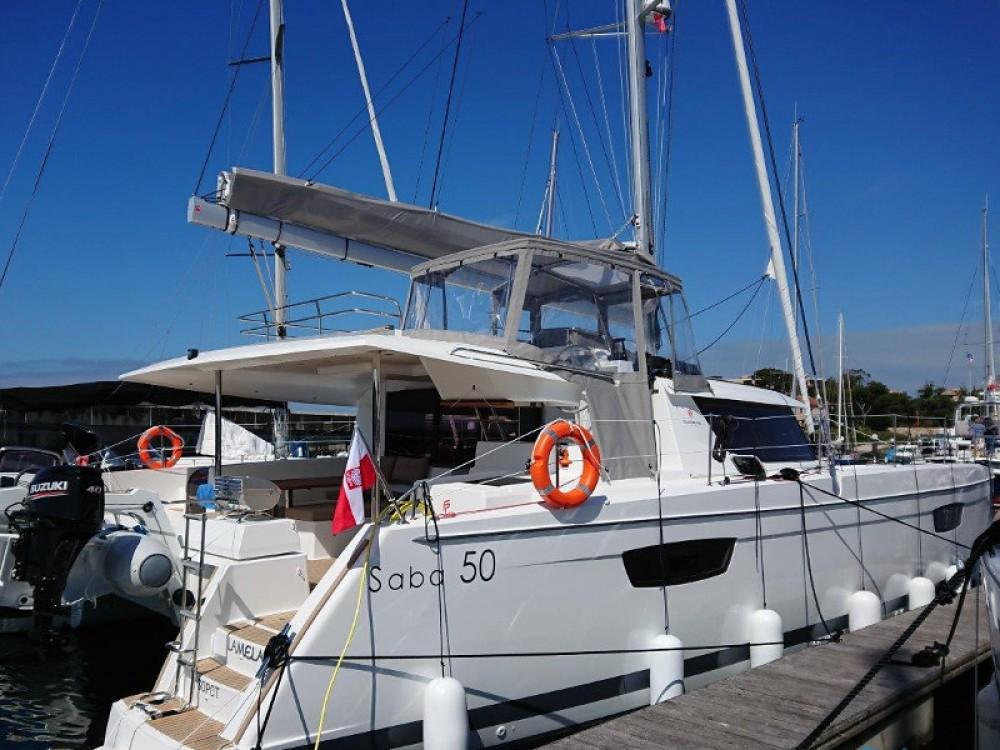 Location bateau Fountaine Pajot Saba 50 à Cala dei Sardi sur Samboat