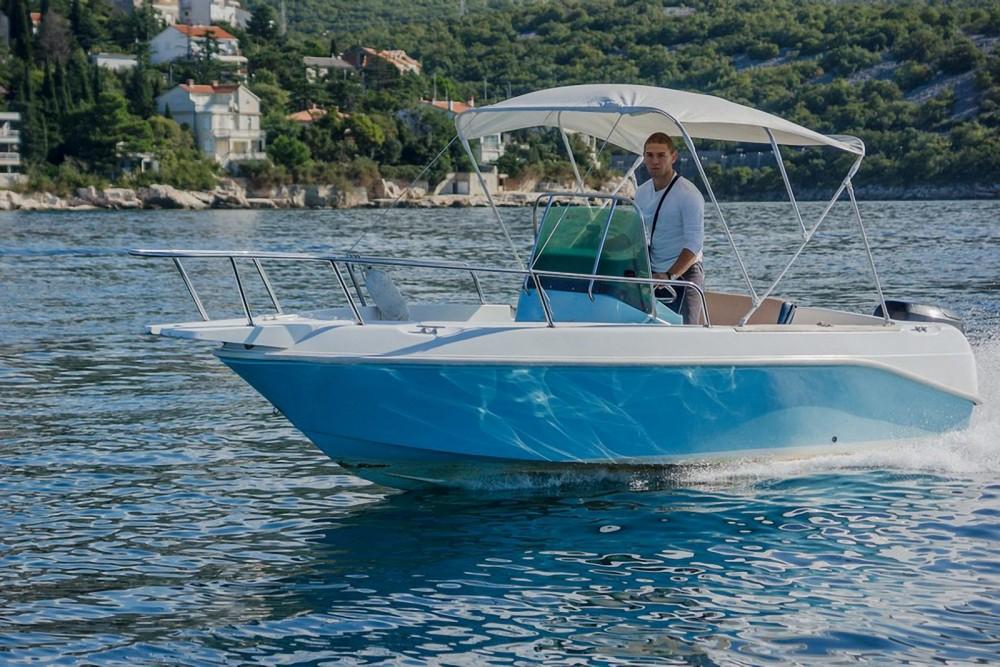 Noleggio yacht Sebenico - Elan Elan 17 CC su SamBoat