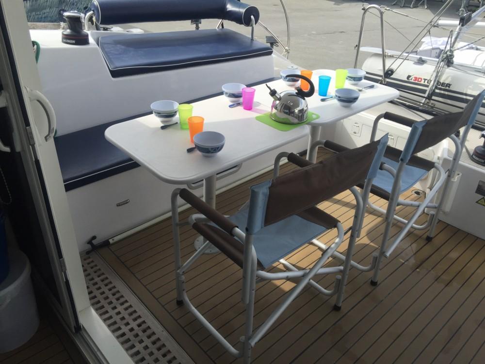 Indigo Yacht Aventura 33 entre particuliers et professionnel à La Trinité-sur-Mer