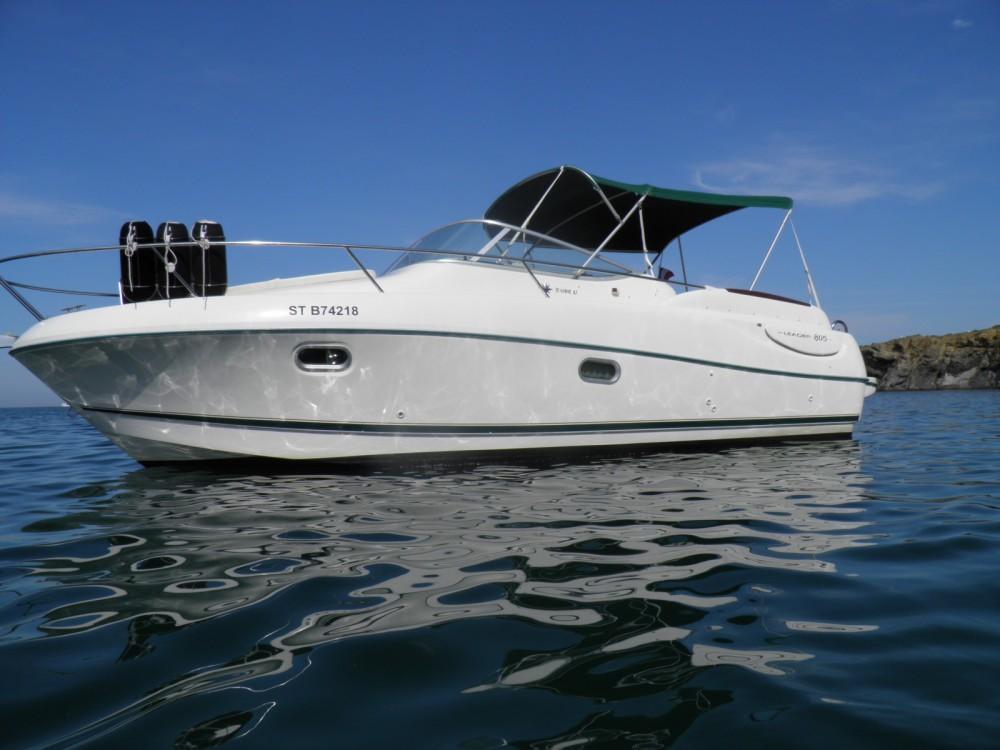 Location bateau Portbou pas cher Leader 805