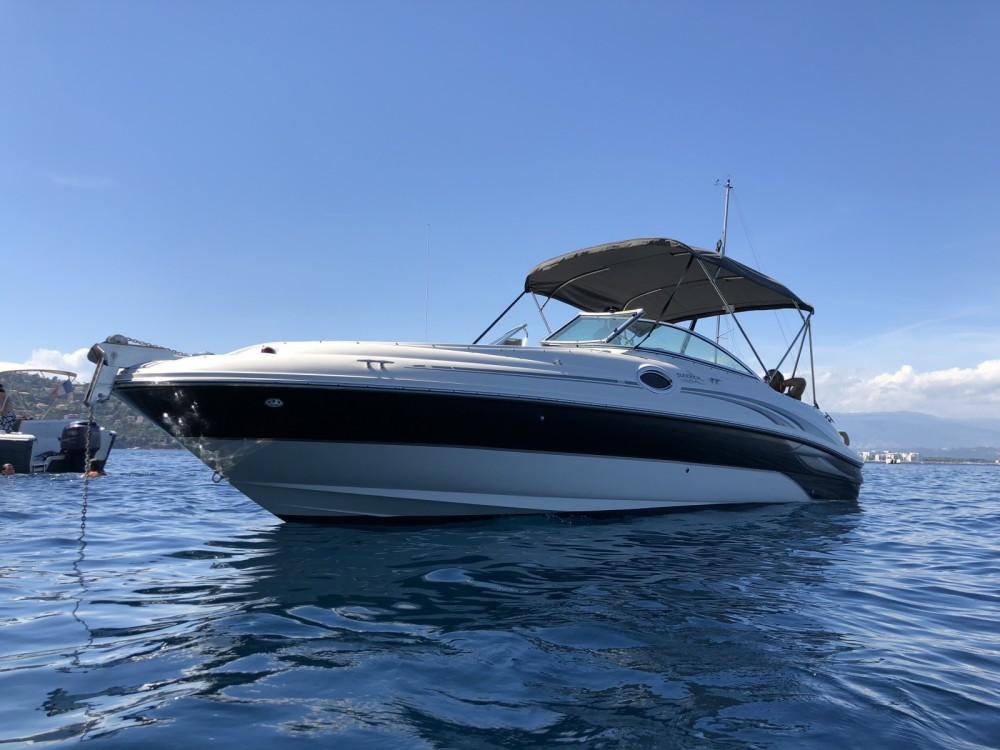Louez un Sea Ray Sea Ray 240 Sundeck à Mandelieu-la-Napoule