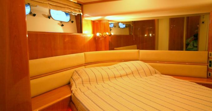 Yacht à louer à Μαρίνα Φλοίσβου au meilleur prix