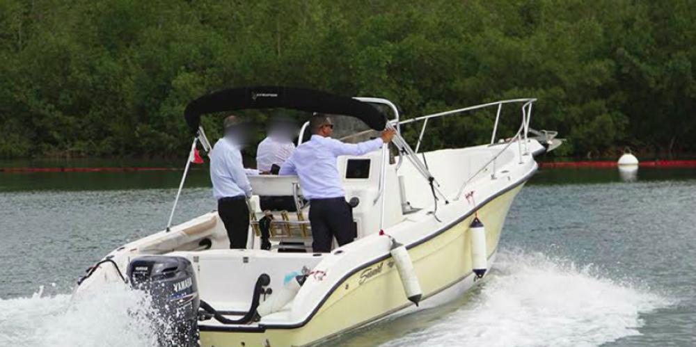 Location yacht à Fort-de-France - Seaswirl Striper 2301CC sur SamBoat