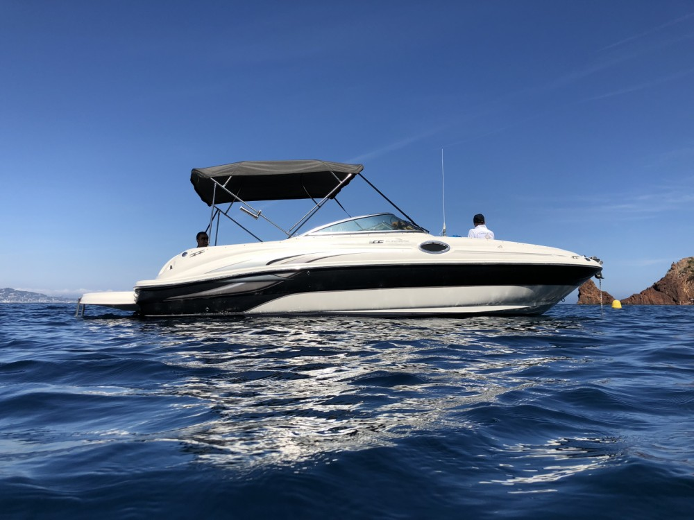 Sea Ray Sea Ray 240 Sundeck te huur van particulier of professional in Mandelieu-la-Napoule