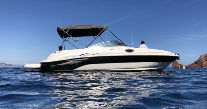 Noleggio barche Sea Ray Sea Ray 240 Sundeck Mandelieu-la-Napoule su Samboat