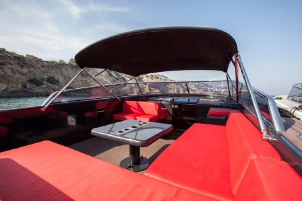 Louer Bateau à moteur avec ou sans skipper VanDutch à Ibiza