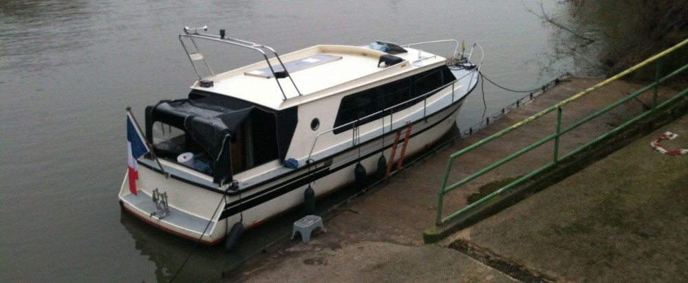 Boat rental Brussels cheap 900