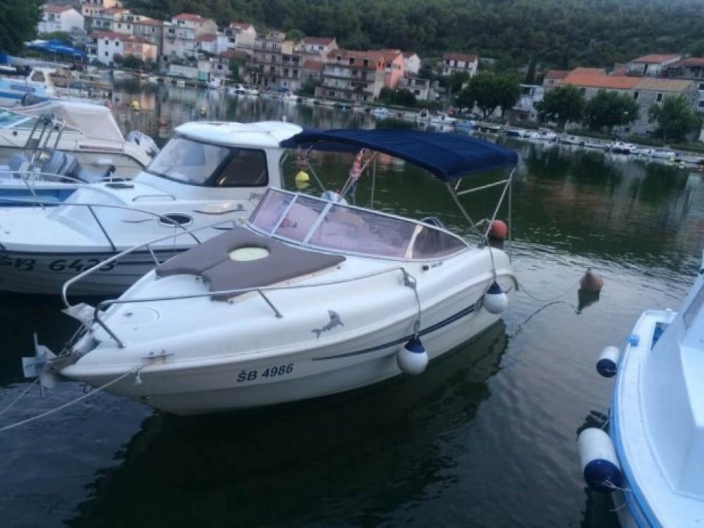 Coverline 580 Cabin zwischen Privatpersonen und professionellem Anbieter Marseille