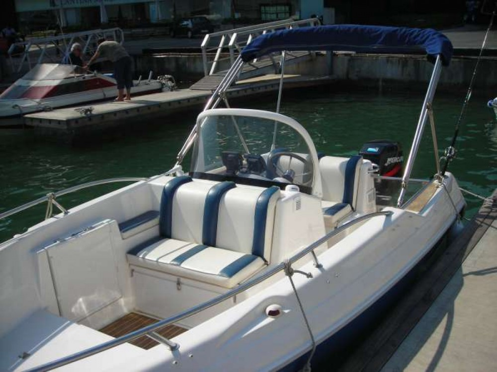Rent a Quicksilver Quicksilver 500 Commander Cogolin