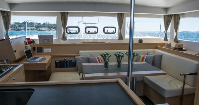Rental Motor boat in Cannes - Lagoon Lagoon 40 Motor Yacht