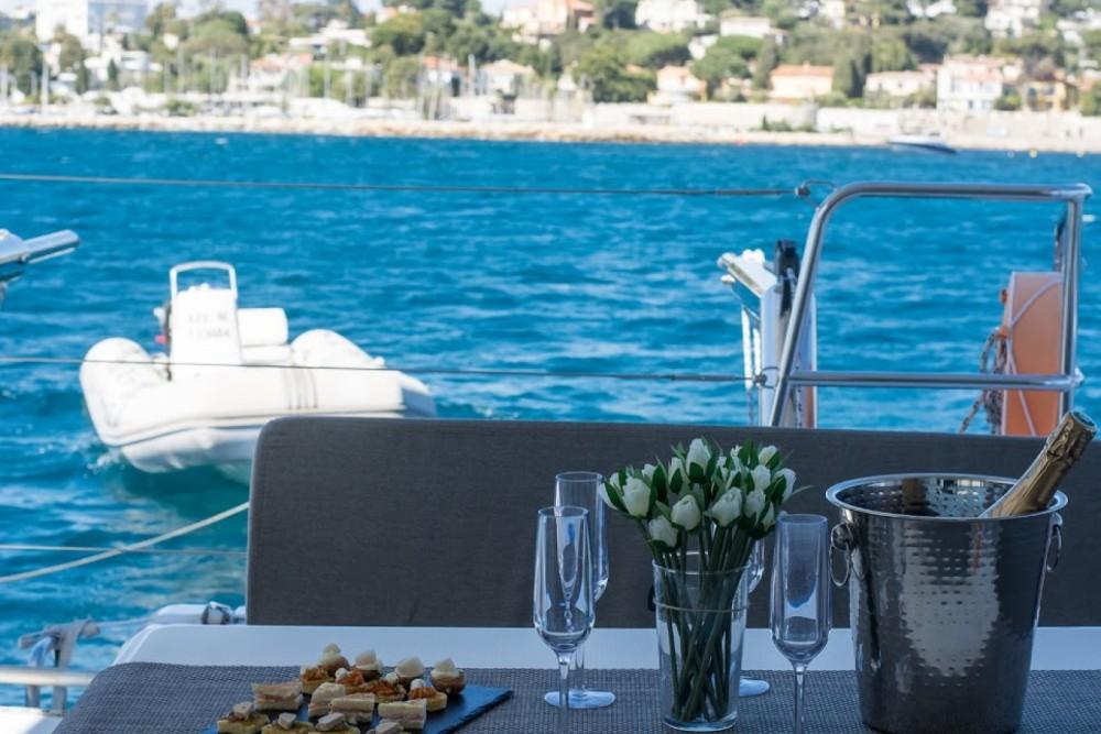 Louez un Lagoon Lagoon 40 Motor Yacht à Cannes