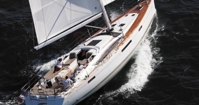 Location bateau Jeanneau Jeanneau 57 à Laurion sur Samboat