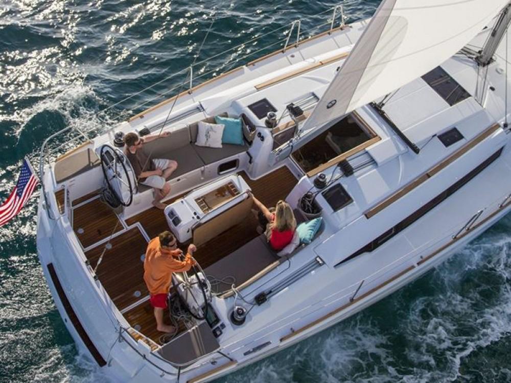 Jeanneau Sun Odyssey 479 entre particuliers et professionnel à Marina Gouvia