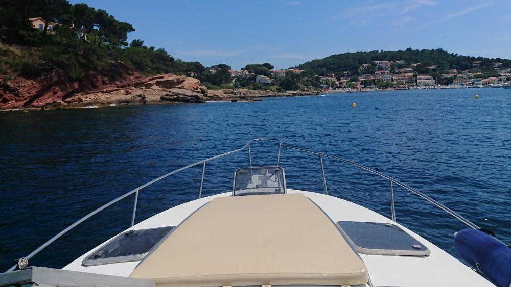 Louer Bateau à moteur avec ou sans skipper Doral à Saint-Mandrier-sur-Mer