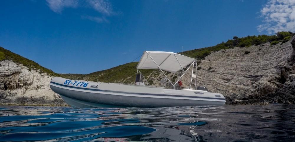 Rent a Italboats Predator 620 Rukavac