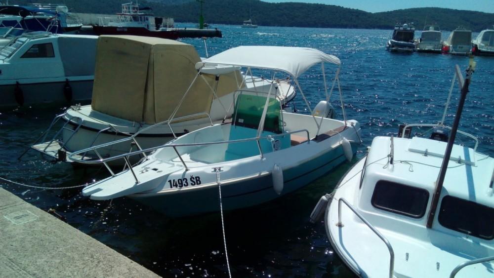 Boat rental Šibenik cheap Elan 17 CC