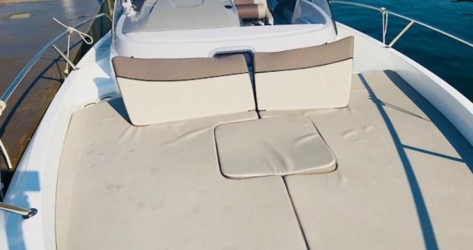 Location bateau L'Estaque pas cher Cap Camarat 7.5 WA Serie 2