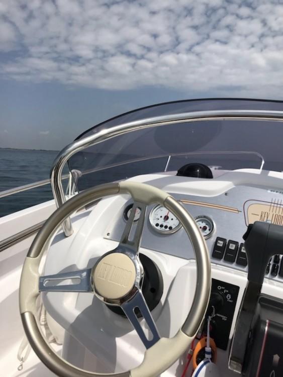 Louer Bateau à moteur avec ou sans skipper Sessa Marine à Pérols