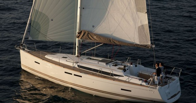 Location bateau Παροικιά pas cher Sun Odyssey 439