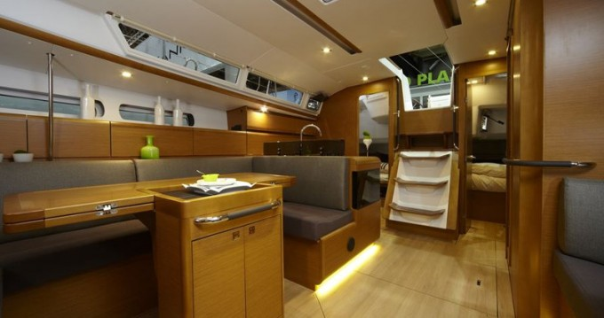 Location bateau Jeanneau Sun Odyssey 439 à Παροικιά sur Samboat