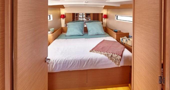 Louez un Jeanneau Sun Odyssey 440 à Lefkada (Île)