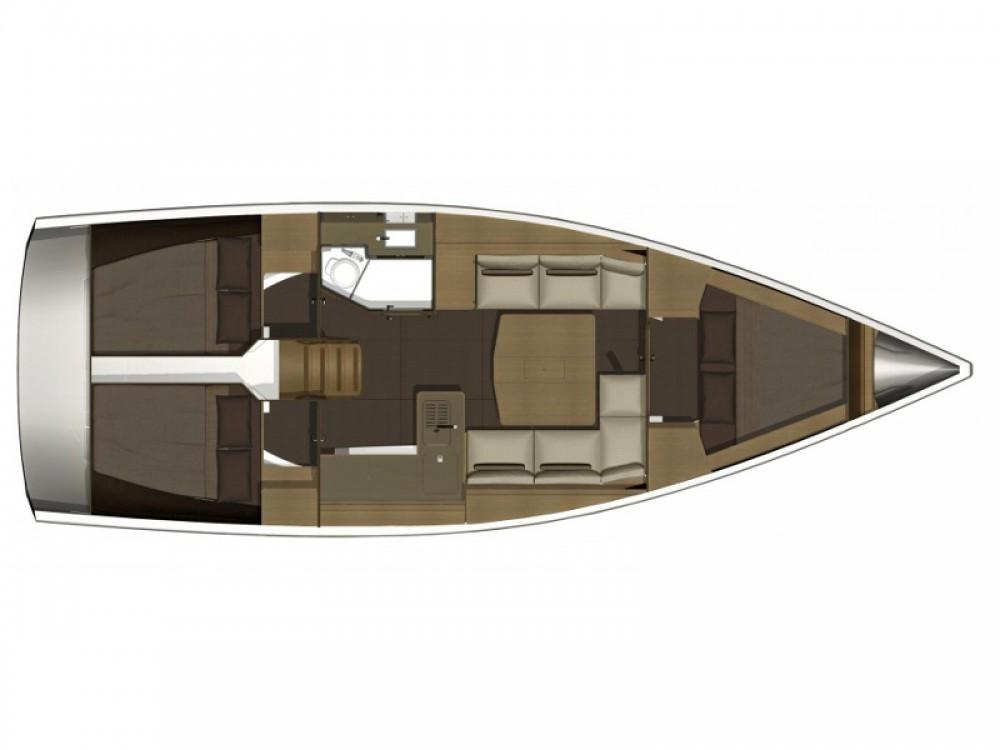 Rental Sailboat in Caorle - Dufour Dufour 382 GL