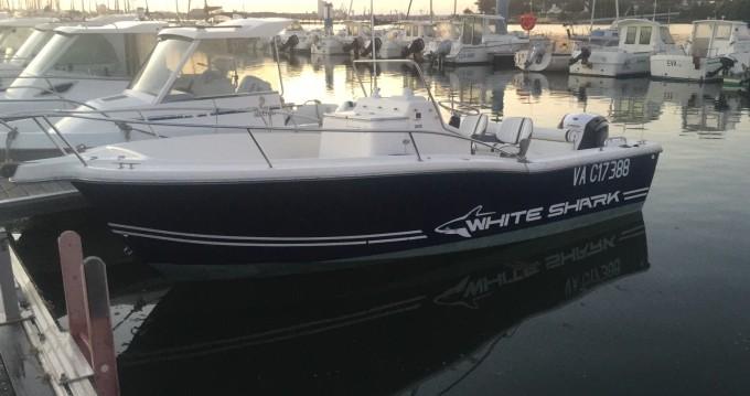 Louer Bateau à moteur avec ou sans skipper White Shark à Port-Louis
