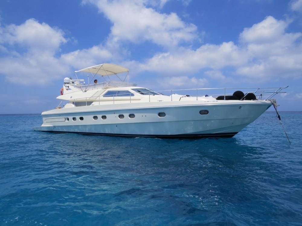 Louer Yacht avec ou sans skipper Ferretti à Îles Baléares