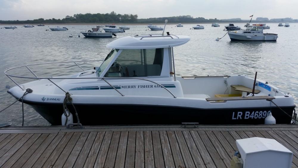 Louer Bateau à moteur avec ou sans skipper Jeanneau à Merville-Franceville-Plage