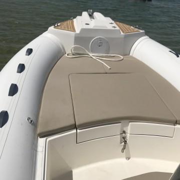 Location bateau Grand Piquey pas cher Tempest 700