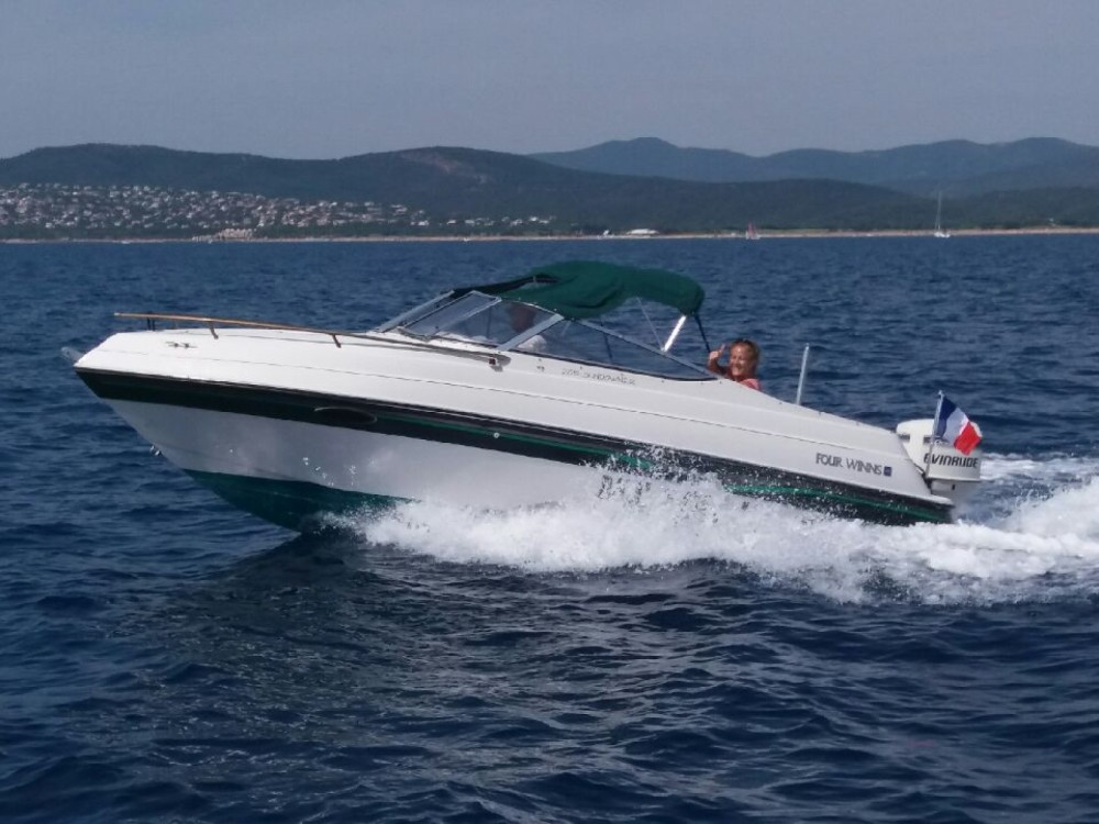 Motorboot mit oder ohne Skipper Four Winns mieten in La Ciotat