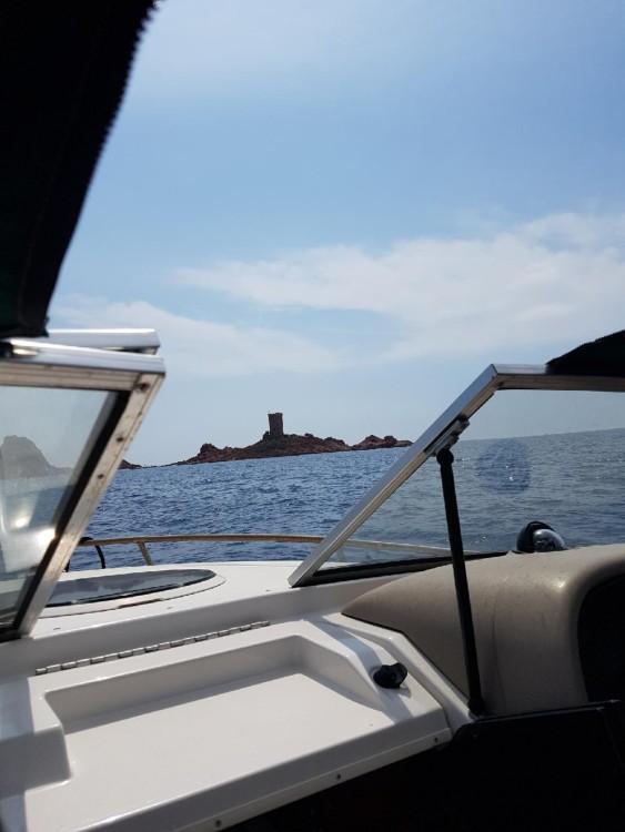 Location bateau Four Winns Sundowner à La Ciotat sur Samboat