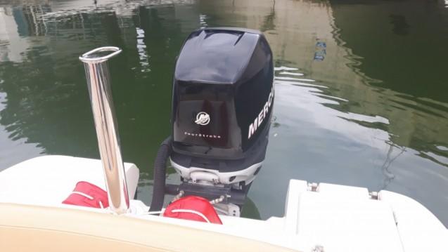 Location bateau Cogolin pas cher Cap camarat 7.15 WA
