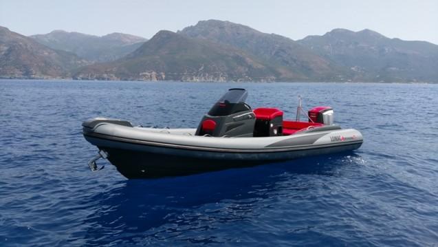 Louer Semi-rigide avec ou sans skipper Lomac à Saint-Florent