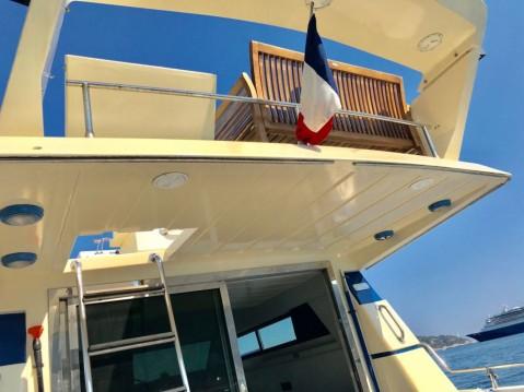 Location Bateau à moteur à Villefranche-sur-Mer - Gianetti 38 FLY