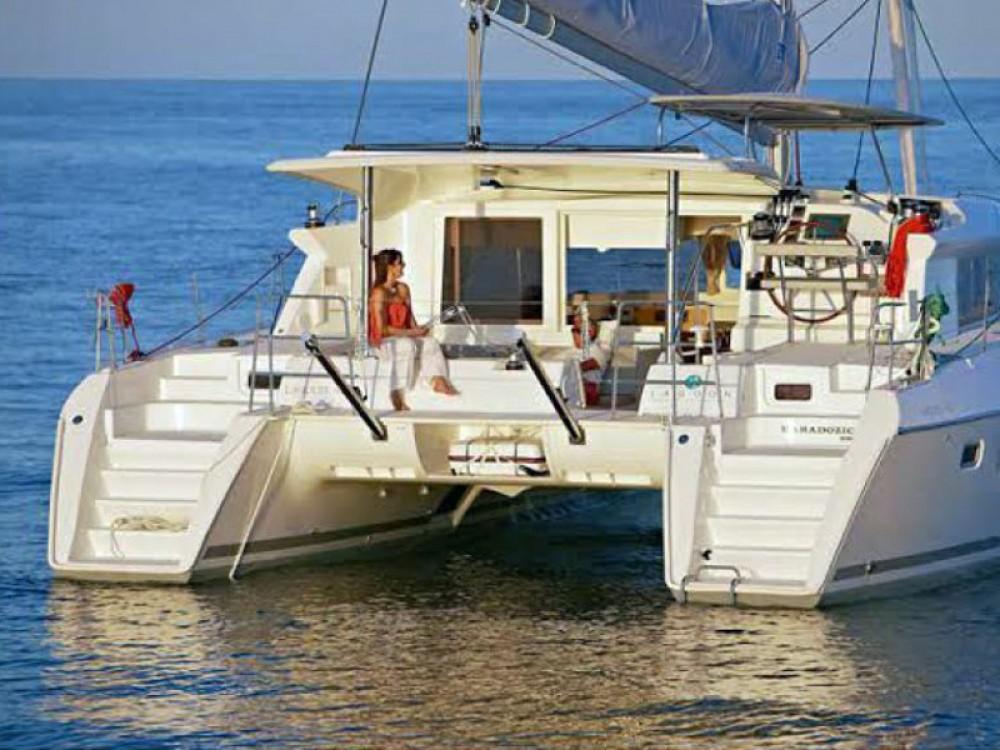 Lagoon Lagoon 421 entre particuliers et professionnel à Milazzo