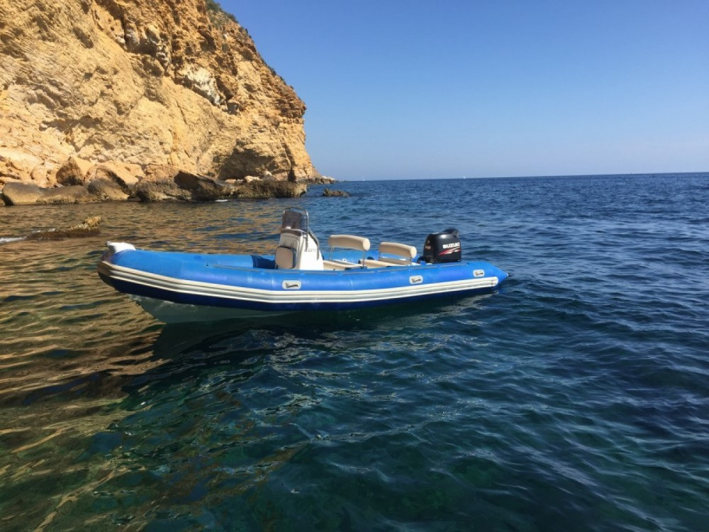 Hire RIB with or without skipper Bombard La Ciotat