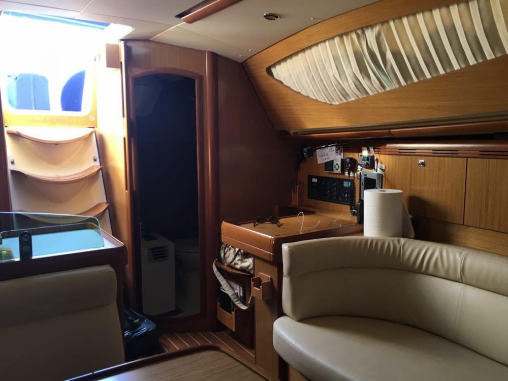 Louez un Jeanneau Sun Odyssey 39 DS à Alicante