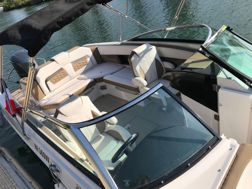 Location Bateau à moteur à Cannes - Four Winns Horizon