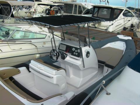 Location Semi-rigide à Gassin - Italboats STINGHER 29 Diamond