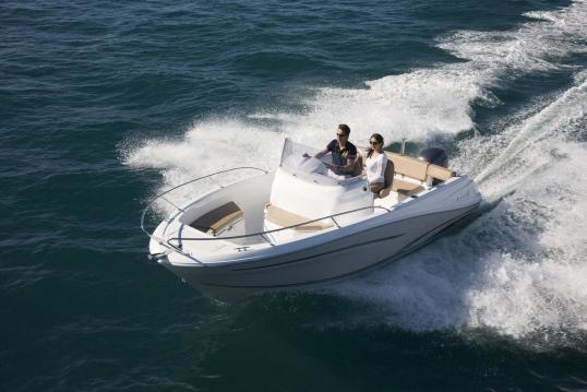 Location yacht à Gassin - Jeanneau Cap Camarat 6.5 CC sur SamBoat
