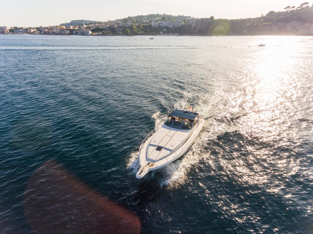 Sea Ray Sea Ray 450 Sundancer between personal and professional Pozzuoli