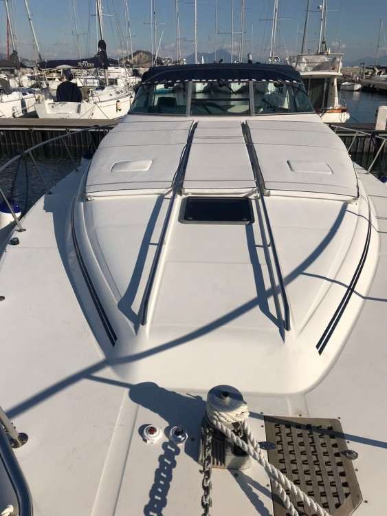 Boat rental Sea Ray Sea Ray 450 Sundancer in Pozzuoli on Samboat