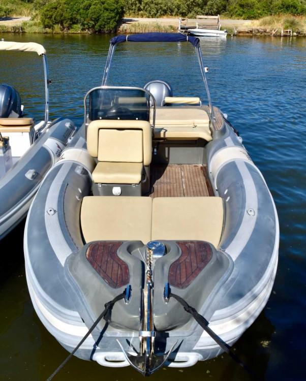 Louer Semi-rigide avec ou sans skipper Motonautica-Vesuviana à Saint-Florent