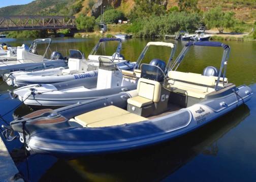 Location bateau Motonautica-Vesuviana MV 780 Comfort à Saint-Florent sur Samboat