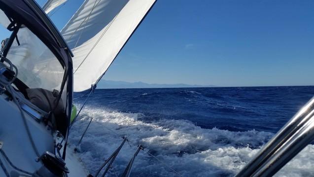 Location bateau Jeanneau Sun Odyssey 44 à Saint-Mandrier-sur-Mer sur Samboat
