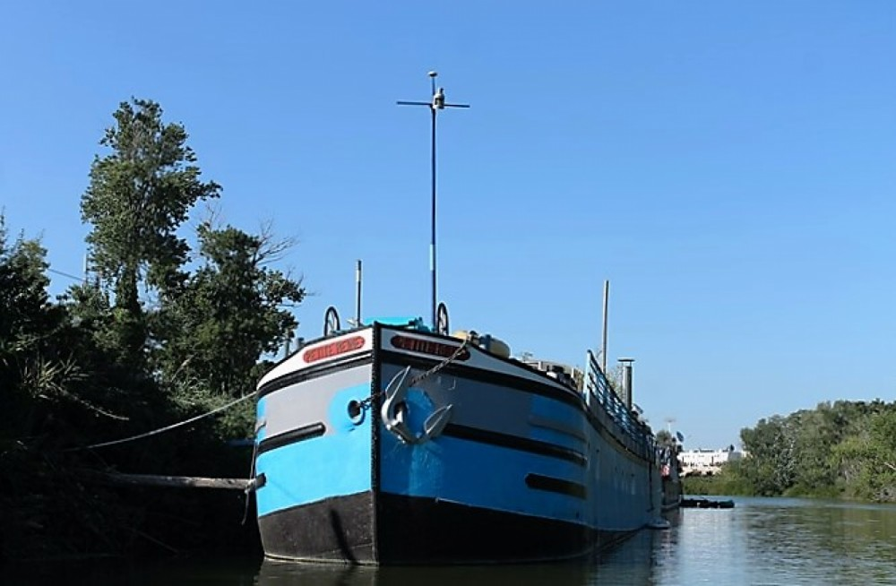Louer Péniche avec ou sans skipper Vitry Le Francois à Arles