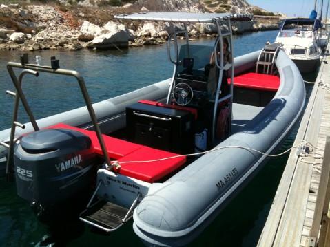 Louer Semi-rigide avec ou sans skipper Master Gommoni à Marseille