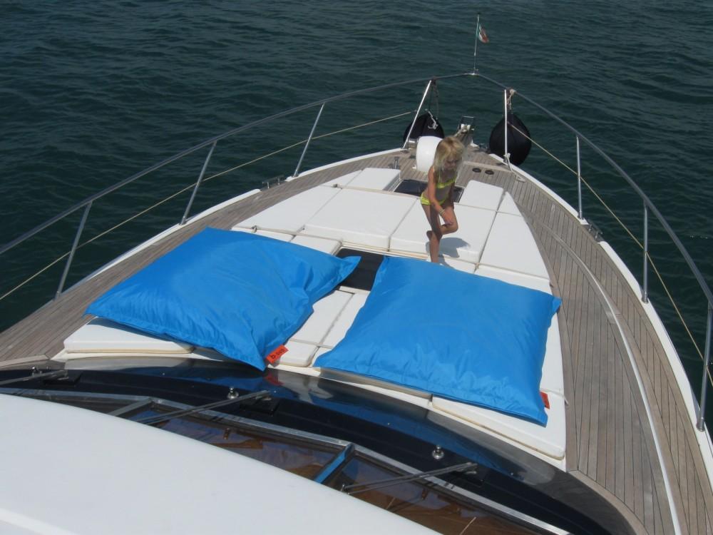 Yacht à louer à La Grande-Motte au meilleur prix